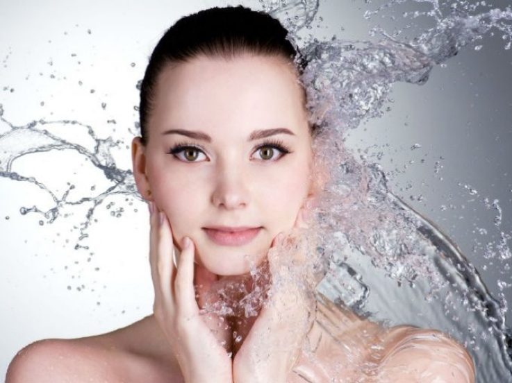 Skin rehydration Face Treatment in Aesthetic medicine